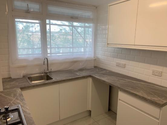 Fantastic newly refurbished single room in an amazingly friendly flatshare