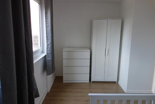 Newly refurbished 4 bedroom maisonette in E3 | 4 bedroom flat to rent in Mile End