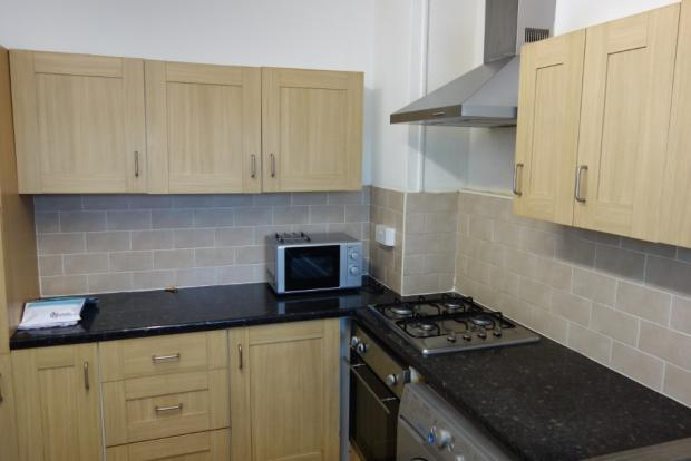 Fantastic 4 bedroom maisonette situated flat to rent | 4 Spacious Double Bedrooms flat rent