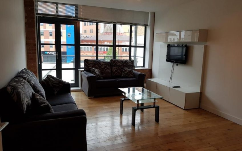 Fantastic newly refurbished 2 Bedroom Flat with open plan lounge and 2 Bathrooms to rent