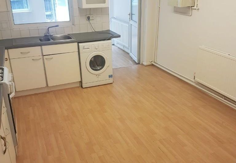 Fantastic newly refurbished 4 bedrooms | Newly refurbished 4 bedrooms flat to rent