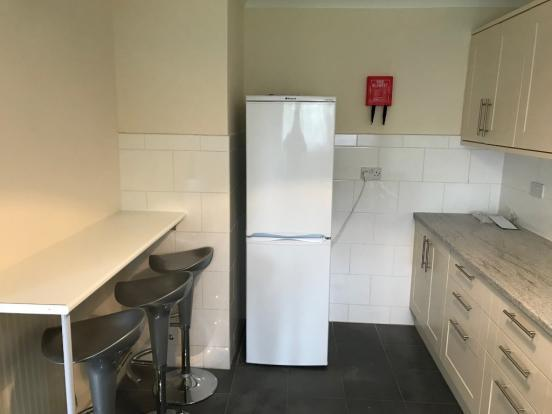 Fantastic newly refurbished double room in an amazingly friendly flatshare