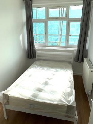 Fantastic newly refurbished single room in an amazingly friendly flatshare