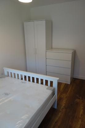 Spacious newly refurbished double room in a friendly flatshare to rent