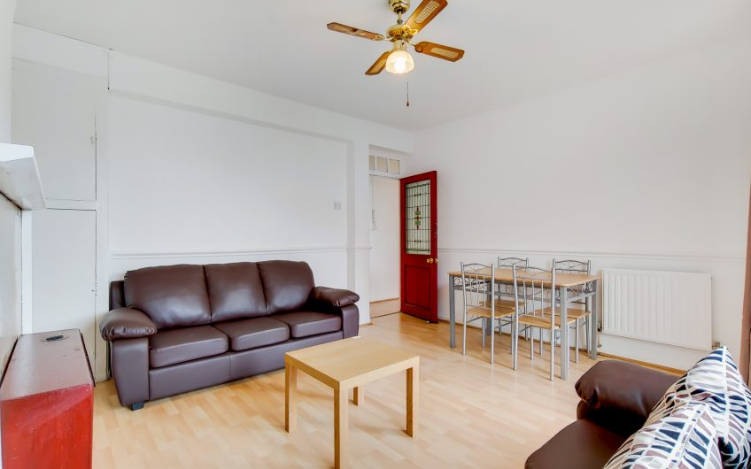 Spacious 4 double bedroom flat