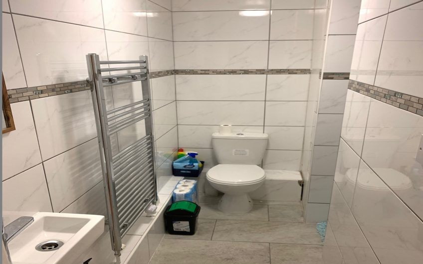 Fantastic newly refurbished double room in amazingly friendly flat share – *No bills to pay*