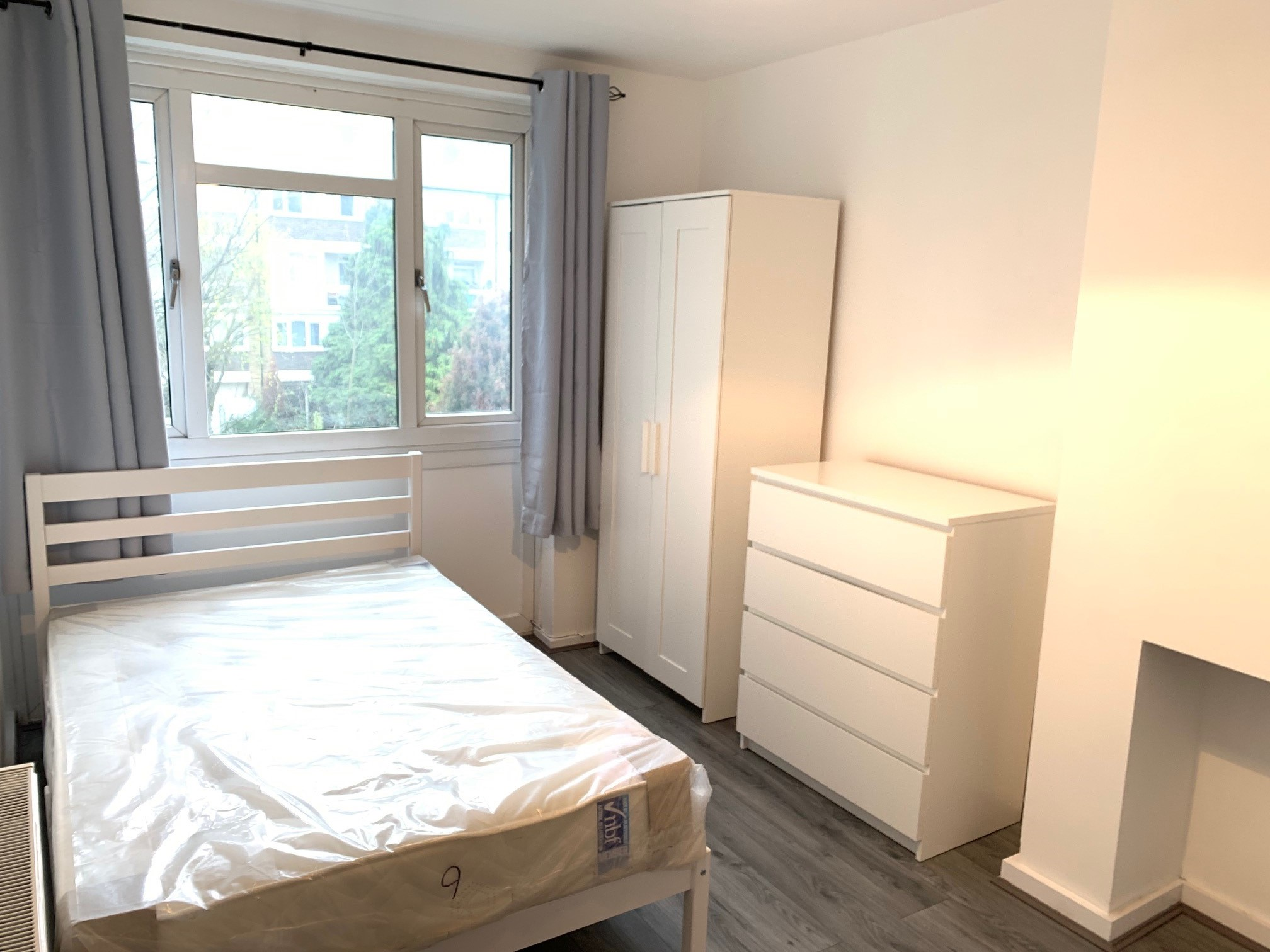 Rooms: Double Room For Rent London Flatshare