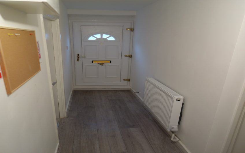 Good refurbished room to share London in an amazingly friendly flatshare