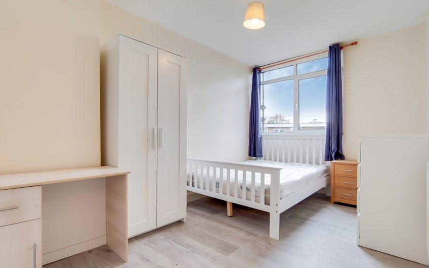 3 bedroom maisonette with Lounge to rent at the heart of Stepney Green, E1.